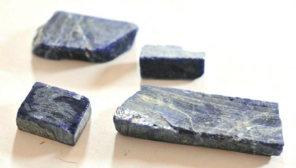 4 PIECES of NATURAL SODALITE - 34.69 gms   2.3 to 5.4 cms across  #a